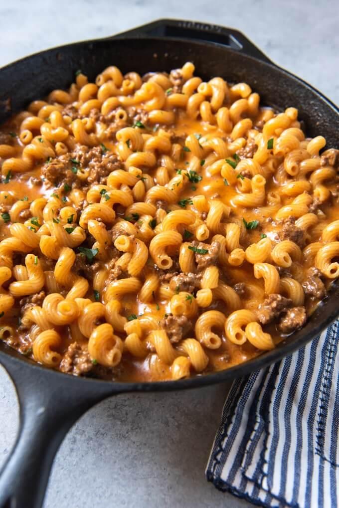 17.Cheeseburger Macaroni Skillet