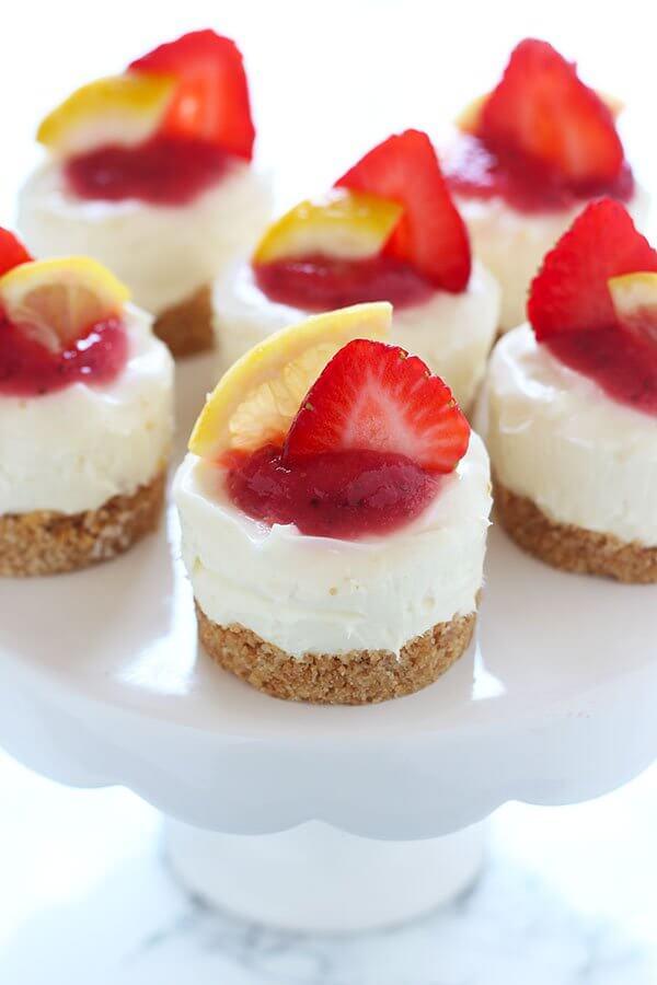 18. No Bake Strawberry Lemonade Mini Cheesecake