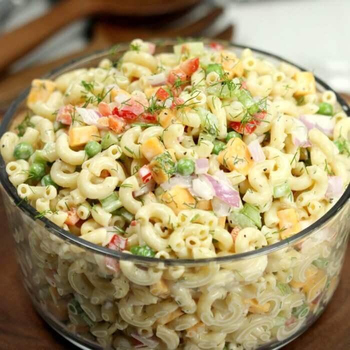 22. EasyMacaroni Salad
