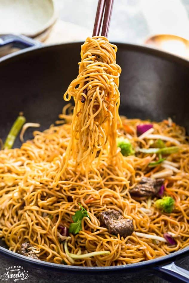 24.Beef Chow Mein