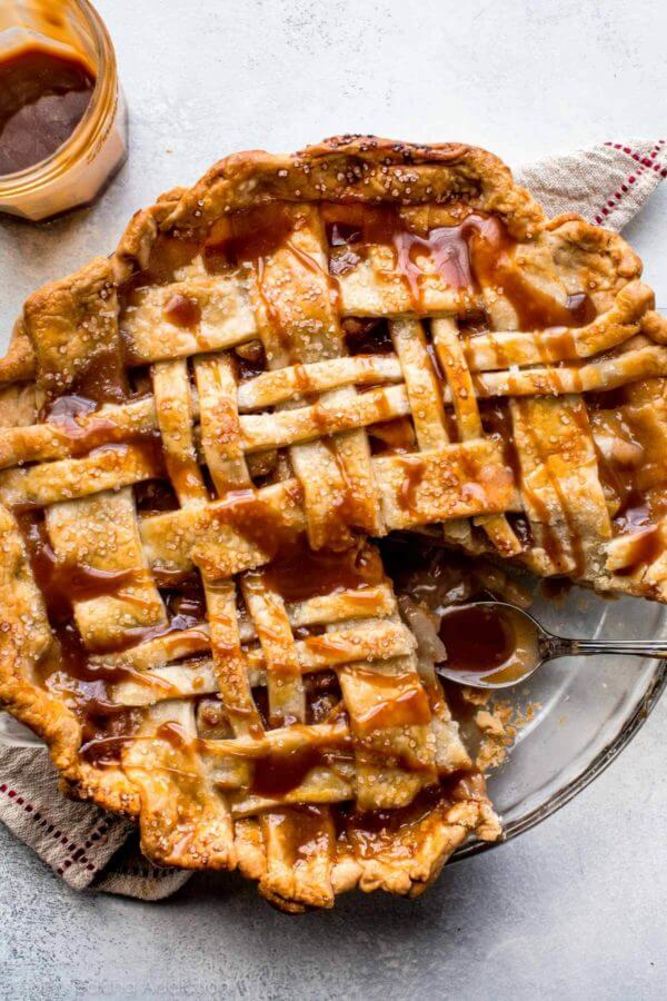 3. Cinnamon Pear Pie
