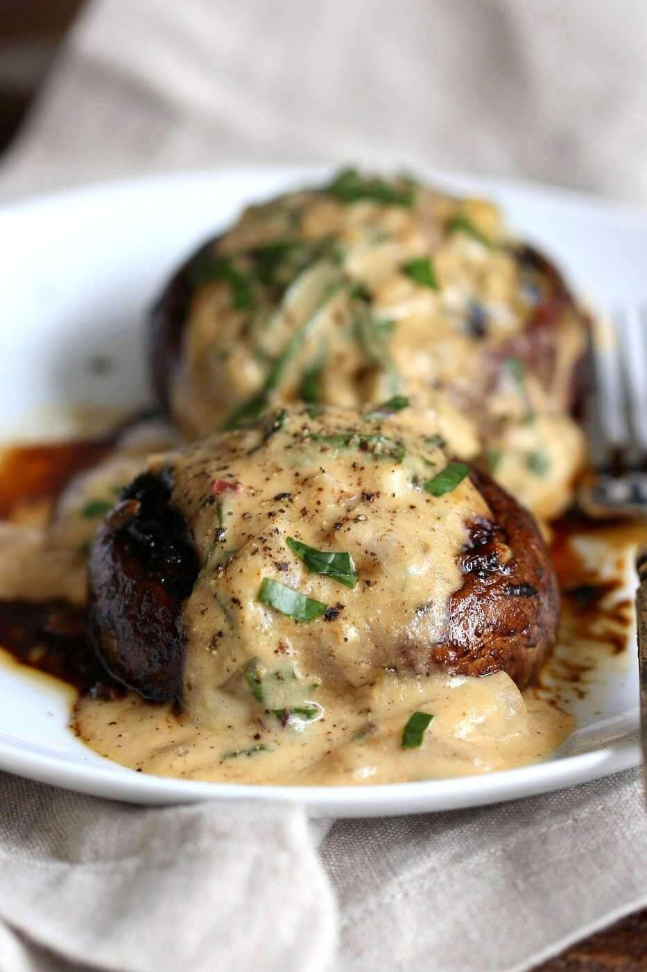 15 Grilled Portobello Mushrooms with Garlic Sauce