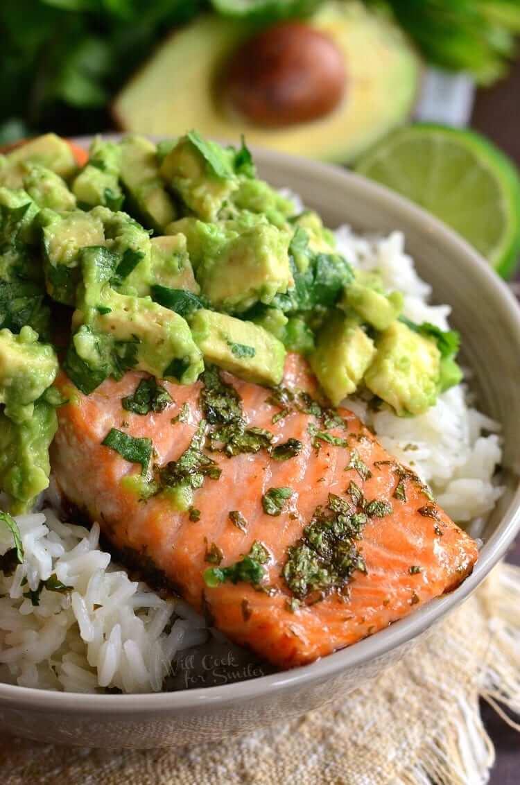 20. Avocado Salmon Rice Bowl