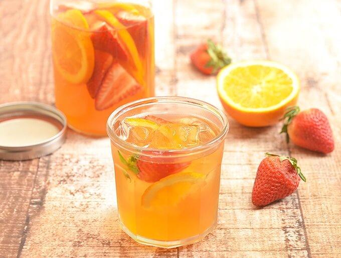 4. Strawberry Orange Refrigerator Iced Tea