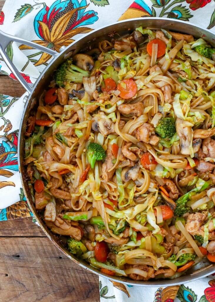 #8 Stir Fry Noodles with Chicken and Vegetables