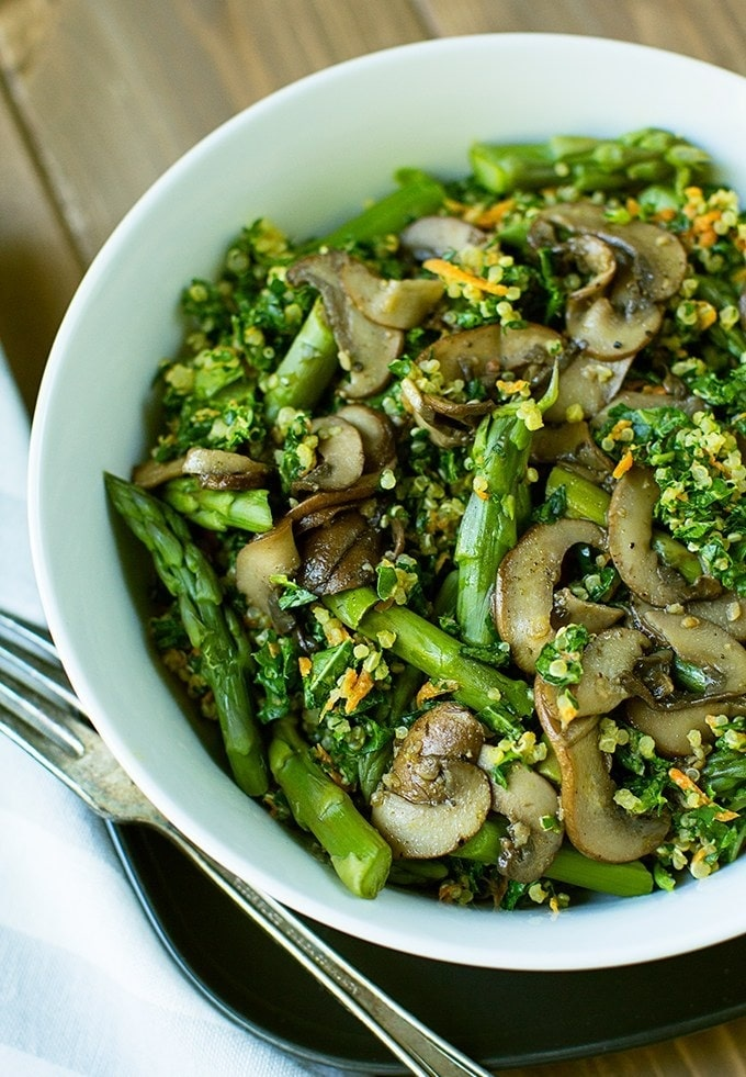 9. Quinoa Kale Bowl with Mushrooms and Asparagus-min