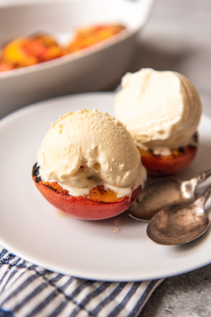12 Grilled Peaches with Ice Cream