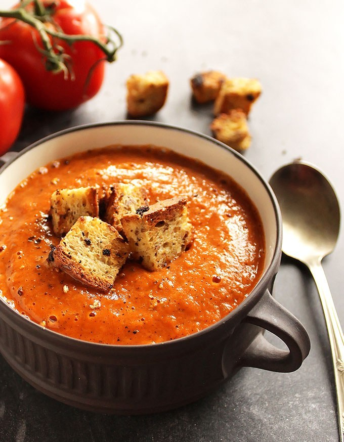 15 Healing Roasted Tomato and Red Pepper Soup
