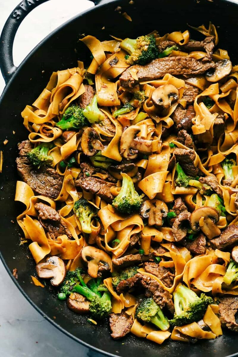 2 Garlic Beef and Broccoli Noodles