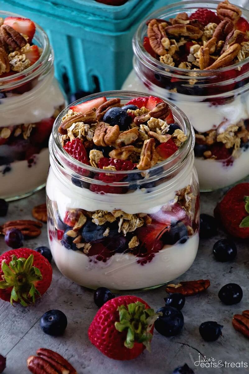 5 Berry Yogurt Breakfast Parfait
