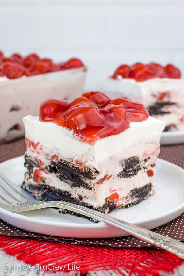 5 Cherry Oreo Icebox Cake