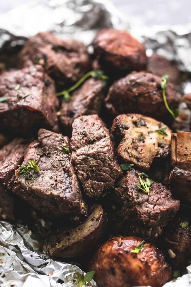 6 Buttery Garlic Steak and Mushroom Foil Packs