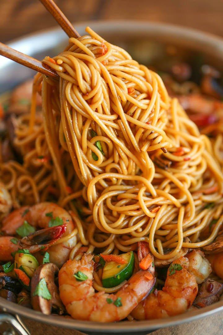 8 Asian Garlic Shrimp Noodles